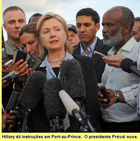 Hillary Clinton e o presidente Préval.