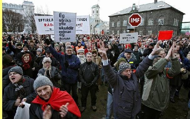 Manifestação frente ao parlamento.