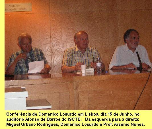 Mesa da conferência de Losurdo em Lisboa.