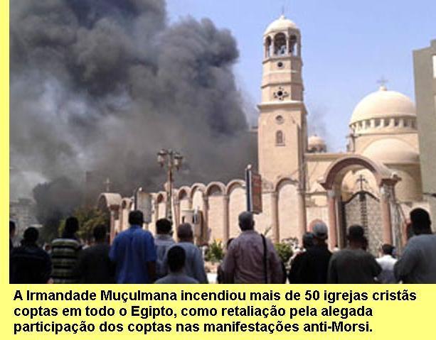 Igreja copta incendiada pela Irmandade Muçulmana.