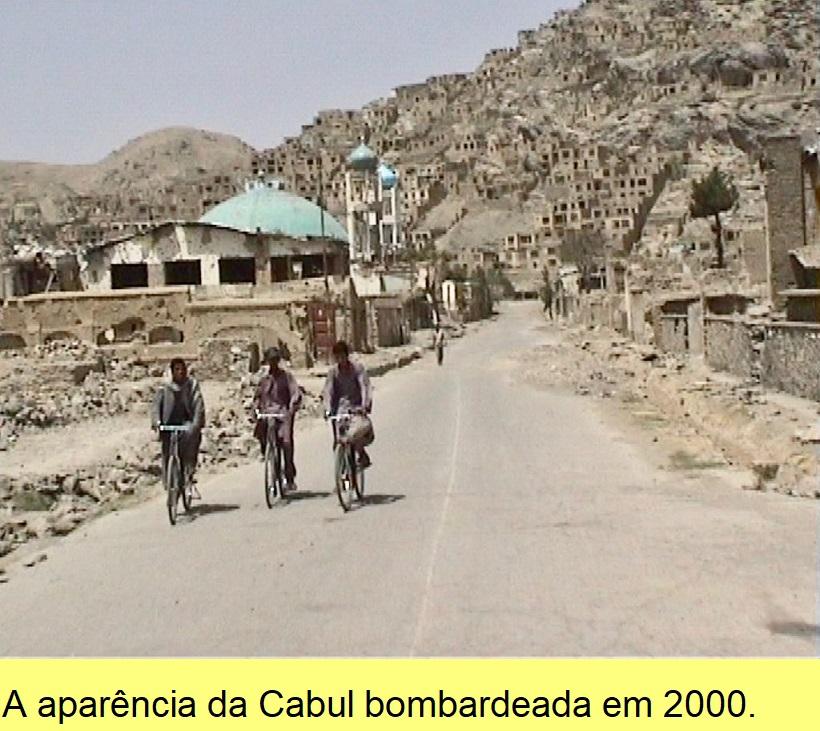 A aparência da Cabul bombardeada em 2000.