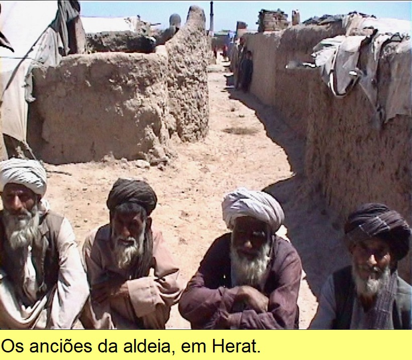 Os anciões da aldeia, em Herat.